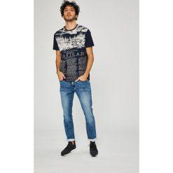 Medicine - Jeansy On The Go. Niebieskie jeansy męskie slim marki MEDICINE. W wyprzedaży za 79,90 zł.