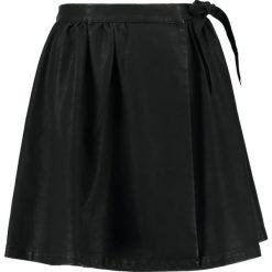 Spódniczki trapezowe: Moves NADRA Spódnica z zakładką black