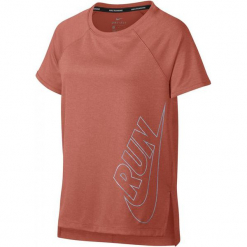 Nike Koszulka G Nk Top Ss Run Lt Atomic Pink Xl. Różowe t-shirty dziewczęce marki Nike, z tkaniny. Za 129,00 zł.