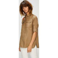 U.S. Polo - Koszula. Brązowe koszulki polo damskie U.S. Polo, s, z poliesteru, casualowe, z klasycznym kołnierzykiem, z długim rękawem. W wyprzedaży za 379,90 zł.