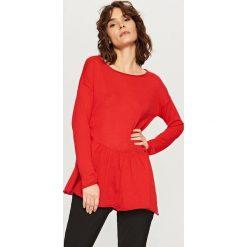 Swetry klasyczne damskie: Sweter z falbaną – Czerwony