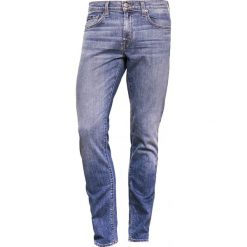 Jeansy męskie regular: J Brand TYLER Jeansy Slim Fit blue light