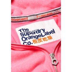 Superdry ORANGE LABEL PRIMARY Bluza rozpinana blizzard pink snowy. Czerwone bluzy rozpinane damskie marki Superdry, xxs, z bawełny. Za 349,00 zł.