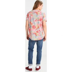 T-shirty męskie z nadrukiem: RVLT Tshirt z nadrukiem red