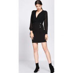 Czarna Sukienka Seductive Back. Czarne sukienki hiszpanki Born2be, s, z kopertowym dekoltem, z długim rękawem, mini, dopasowane. Za 89,99 zł.