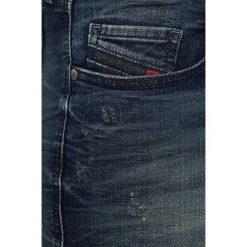 Diesel - Jeansy Grupee-Ne Sweat. Niebieskie jeansy damskie rurki Diesel, z obniżonym stanem. W wyprzedaży za 449,90 zł.