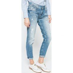 Pepe Jeans - Jeansy. Niebieskie boyfriendy damskie Pepe Jeans. W wyprzedaży za 299,90 zł.