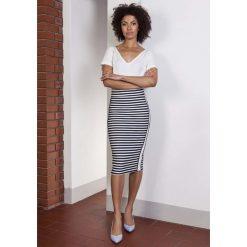 Ołówkowa Spódnica Midi z Lampasami w Paski. Czerwone spódniczki marki Molly.pl, l, z jeansu, biznesowe, z dekoltem na plecach, z długim rękawem. Za 108,90 zł.