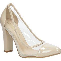 Beżowe czółenka na słupku lakierowane Casu DP32/16BE. Brązowe buty ślubne damskie Casu, z lakierowanej skóry, na słupku. Za 28,99 zł.