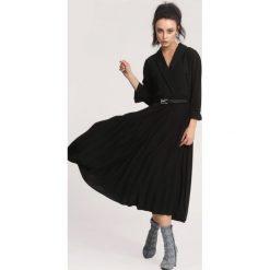 Czarna Sukienka Overtones. Czarne sukienki other, uniwersalny, midi. Za 109,99 zł.