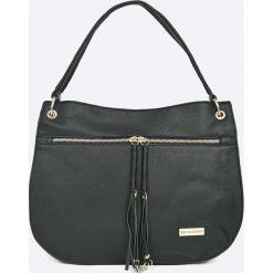 Pierre Cardin - Torebka. Czarne torebki klasyczne damskie marki Pierre Cardin, w paski, z materiału, duże. W wyprzedaży za 319,90 zł.