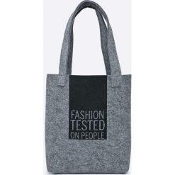 Answear - Torebka. Szare torebki klasyczne damskie ANSWEAR, z materiału, duże. W wyprzedaży za 47,90 zł.