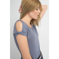 Odzież damska: Koszulka cold shoulders