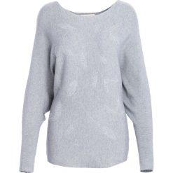 Szary Sweter Coming Of Age. Szare swetry klasyczne damskie Born2be, l, z okrągłym kołnierzem. Za 79,99 zł.