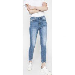Answear - Jeansy. Niebieskie jeansy damskie rurki marki ANSWEAR, z bawełny, z podwyższonym stanem. W wyprzedaży za 79,90 zł.