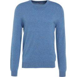 Johnstons Cashmere Sweter light blue. Niebieskie swetry klasyczne męskie Johnstons Cashmere, m, z kaszmiru. W wyprzedaży za 734,50 zł.