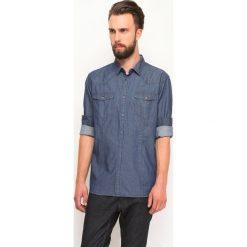 KOSZULA DŁUGI RĘKAW MĘSKA. Szare koszule męskie jeansowe marki Top Secret, m, z długim rękawem. Za 59,99 zł.