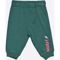 Blukids - Spodnie dziecięce 68-98 cm (2-pack). Szare spodnie chłopięce Blukids, z bawełny. W wyprzedaży za 34,90 zł.