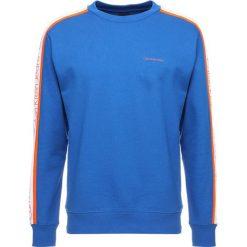 Calvin Klein Jeans SIDE STRIPE Bluza royal blue. Niebieskie kardigany męskie marki Calvin Klein Jeans, l, z bawełny. W wyprzedaży za 411,75 zł.