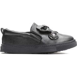 Czarne Slip On Promise To Keep. Czarne buty sportowe dziewczęce Born2be, z materiału, z okrągłym noskiem. Za 39,99 zł.