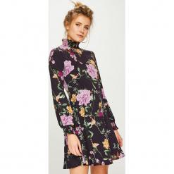 Answear - Sukienka. Szare sukienki mini ANSWEAR, na co dzień, l, z poliesteru, casualowe, rozkloszowane. Za 149,90 zł.