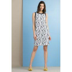 Sukienki: Wzorzysta sukienka z żakardowym wzorem
