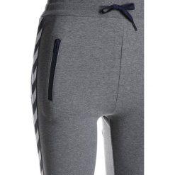 Hummel PANTS  Spodnie treningowe medium melange. Szare spodnie chłopięce marki Hummel, z bawełny. Za 169,00 zł.