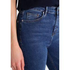 Topshop Tall JAMIE   Jeans Skinny Fit middenim. Niebieskie boyfriendy damskie Topshop Tall. W wyprzedaży za 239,20 zł.
