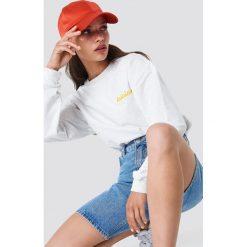 Moves Bluza Tessi-Lala - White. Białe bluzy z nadrukiem damskie marki Moves, z długim rękawem, długie. Za 202,95 zł.