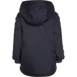 Hummel BABY JESSIE  Kurtka zimowa blue nights. Niebieskie kurtki chłopięce zimowe marki Hummel, z materiału. W wyprzedaży za 189,50 zł.