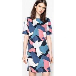 Sukienki: Sukienka prosta, wzór moro
