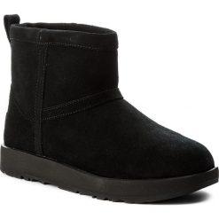 Buty UGG - W Classic Mini Waterproof 1019643 W/Blk. Szare buty zimowe damskie marki Ugg, z materiału, z okrągłym noskiem. Za 819,00 zł.