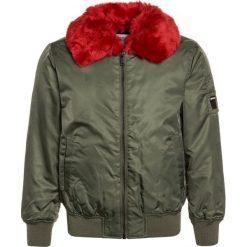 Replay Kurtka zimowa army green. Zielone kurtki chłopięce zimowe marki Replay, z materiału. W wyprzedaży za 439,45 zł.