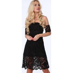 Sukienka z grubej koronki czarna ZZ262. Czarne sukienki Fasardi, m, w koronkowe wzory, z koronki. Za 99,00 zł.