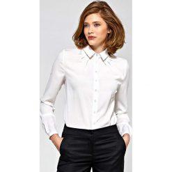 Bluzki damskie: Ecru Koszulowa Bluzka z Zakładkami przy Dekolcie