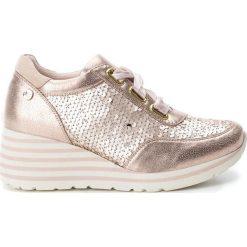 Sneakersy damskie: Sneakersy w kolorze cielistym na koturnie