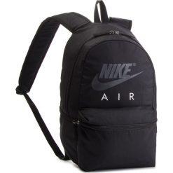 Plecak NIKE - BA5777 010. Czarne plecaki męskie Nike, z materiału, sportowe. Za 119,00 zł.