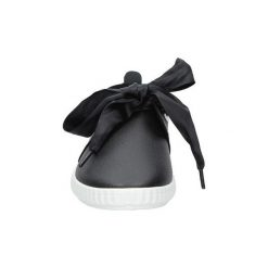 Buty do tenisa  Casu  Czarne tenisówki wiązane wstążką  FC-V029. Czarne tenisówki damskie Casu. Za 39,99 zł.