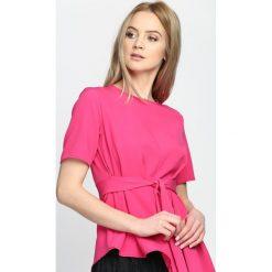 Fuksjowa Bluzka Imagine That. Różowe bluzki z odkrytymi ramionami marki Born2be, s, z okrągłym kołnierzem, z krótkim rękawem. Za 69,99 zł.