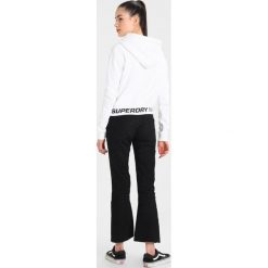 Bluzy damskie: Superdry GRAPHIC HEM HOOD Bluza z kapturem white