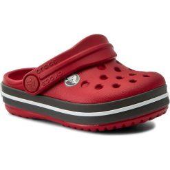 Klapki CROCS - Crocband Clog K 204537 Pepper/Graphite. Czerwone klapki chłopięce marki Crocs, z tworzywa sztucznego. W wyprzedaży za 129,00 zł.