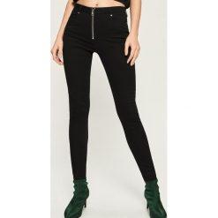 Spodnie z wysokim stanem: Spodnie slim z wysokim stanem - Czarny