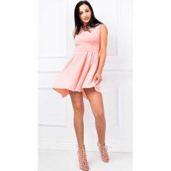 Sukienki: Sukienka ze skośnym dołem