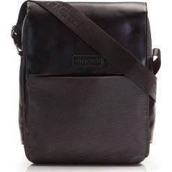 86-4P-102-1 Torba. Czarne torby na ramię męskie marki Wittchen, w paski, z nylonu, duże. Za 149,00 zł.