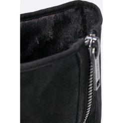 Calvin Klein Jeans - Kozaki Penny. Czarne botki damskie na obcasie marki Calvin Klein Jeans, z jeansu, z okrągłym noskiem. W wyprzedaży za 699,90 zł.