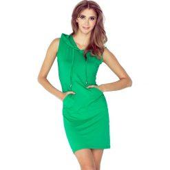 Zielona Sukienka z Kapturem w Marynarskim Stylu. Czarne sukienki dzianinowe marki Sinsay, l, z kapturem. Za 118,90 zł.