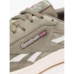 Reebok Classic REVENGE PLUS Tenisówki i Trampki soapstone/chalk/red. Białe tenisówki damskie marki Reebok Classic. W wyprzedaży za 356,15 zł.