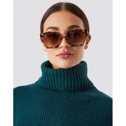 NA-KD Accessories Okulary przeciwsłoneczne Open Frame - Brown. Brązowe okulary przeciwsłoneczne damskie marki NA-KD Accessories. W wyprzedaży za 56,67 zł.