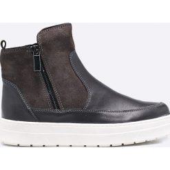 Caprice - Botki. Czarne buty zimowe damskie Caprice, z materiału, z okrągłym noskiem, na obcasie. W wyprzedaży za 219,90 zł.