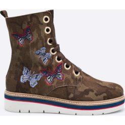 Tommy Hilfiger - Botki. Szare buty zimowe damskie marki TOMMY HILFIGER, z materiału, z okrągłym noskiem, na obcasie, na sznurówki. W wyprzedaży za 639,90 zł.